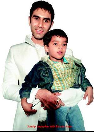Sandip-Soparrkar-with-his-son-Arjun