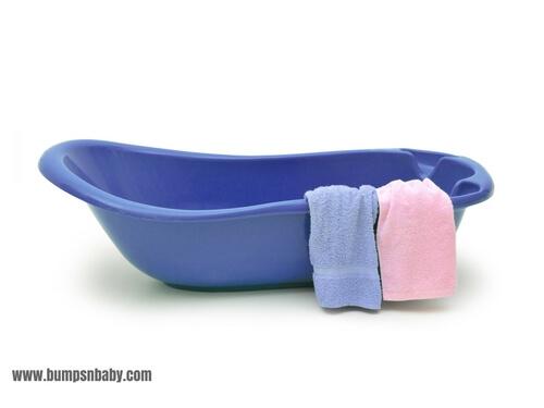 newborn essentials bathtub