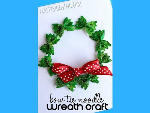 Christmas crafts for kids DIY noodle wreath