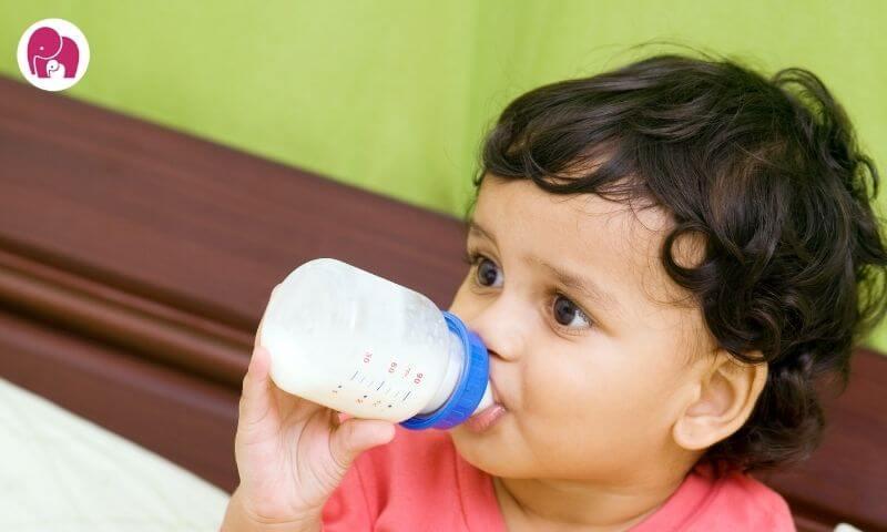 feeding milk in bottle bottle feeding